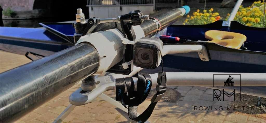 GoPro-Kamera an der Dolle montiert